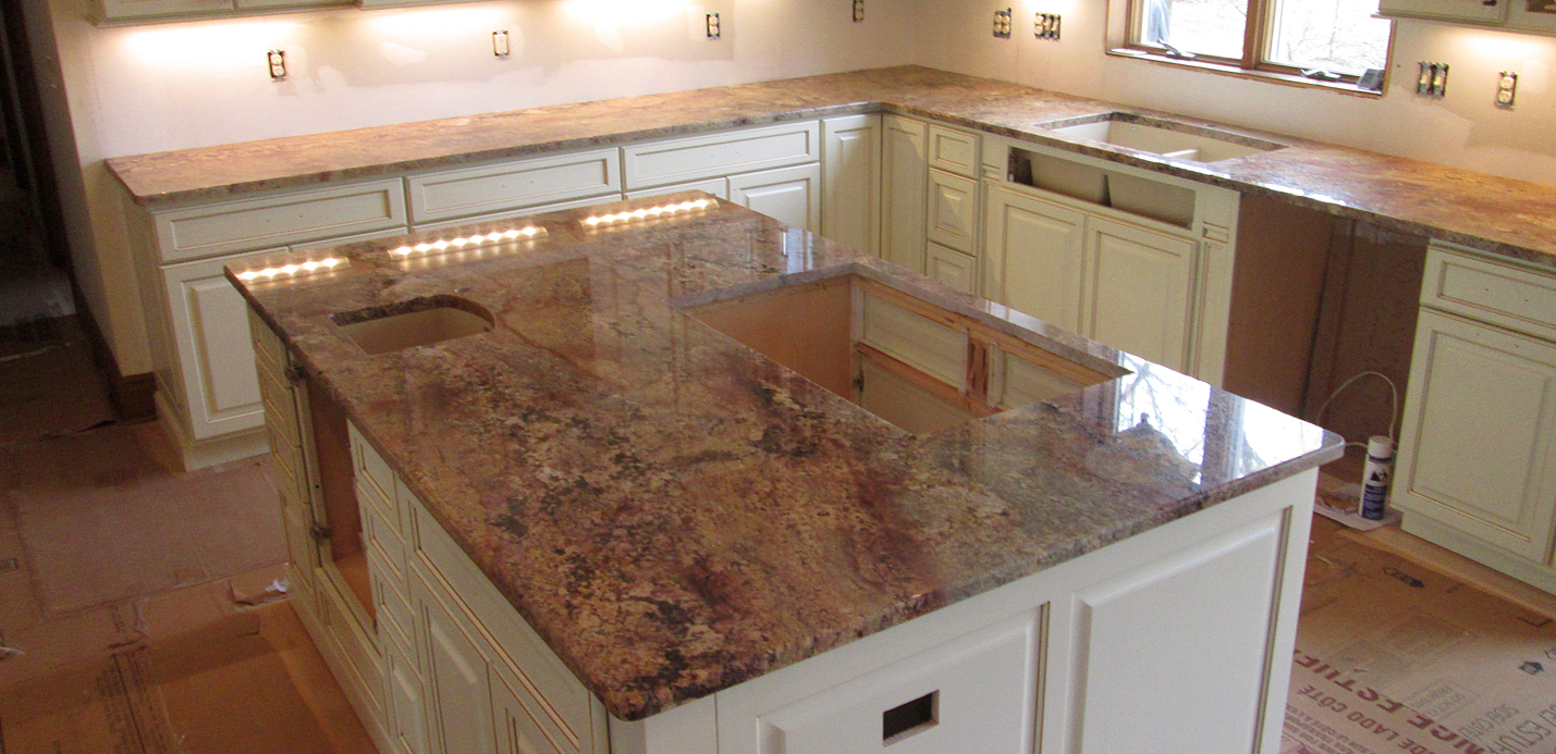 Polished Granite Red Gold Kitchen Countertop & Island with 3 8? Top