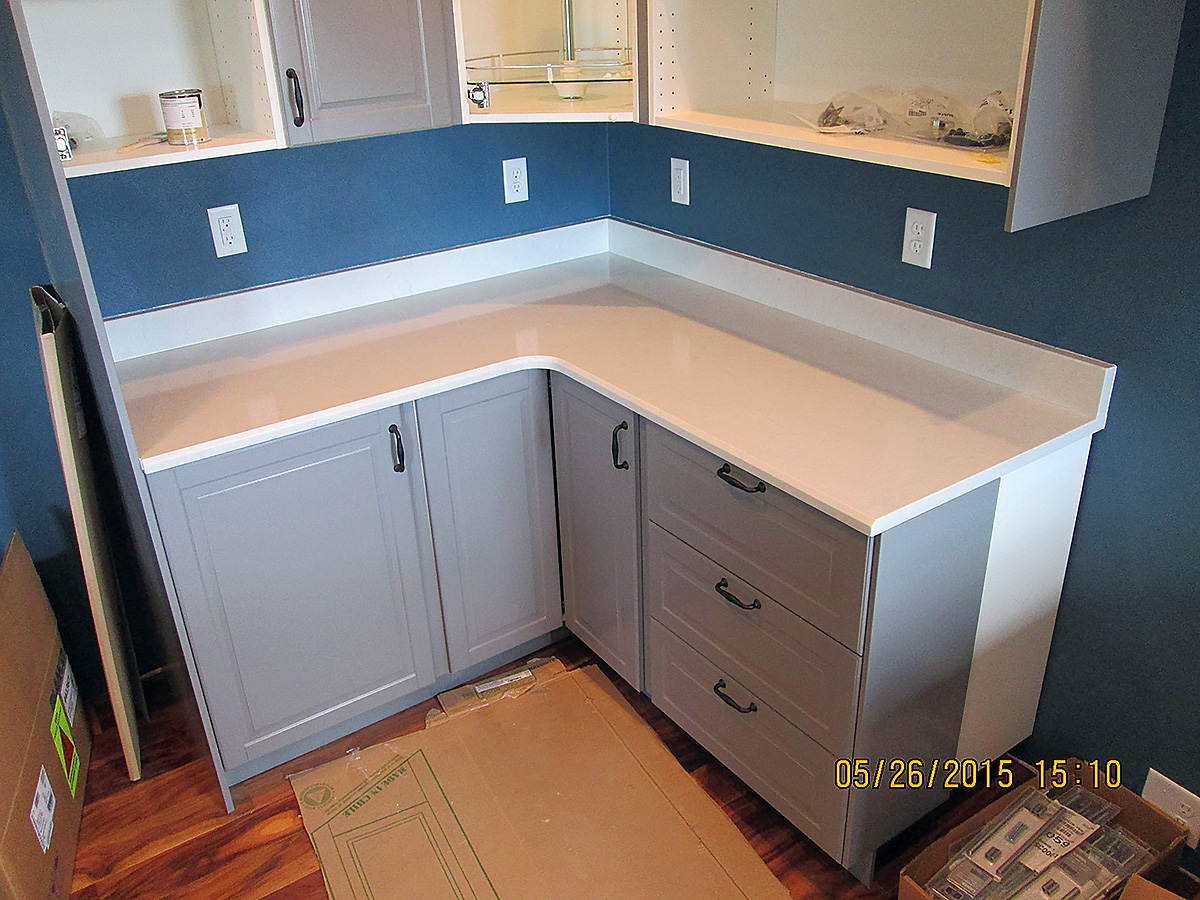 Quartz Kitchen Countertop W/ Bevel Edge and Custom Backsplash ...